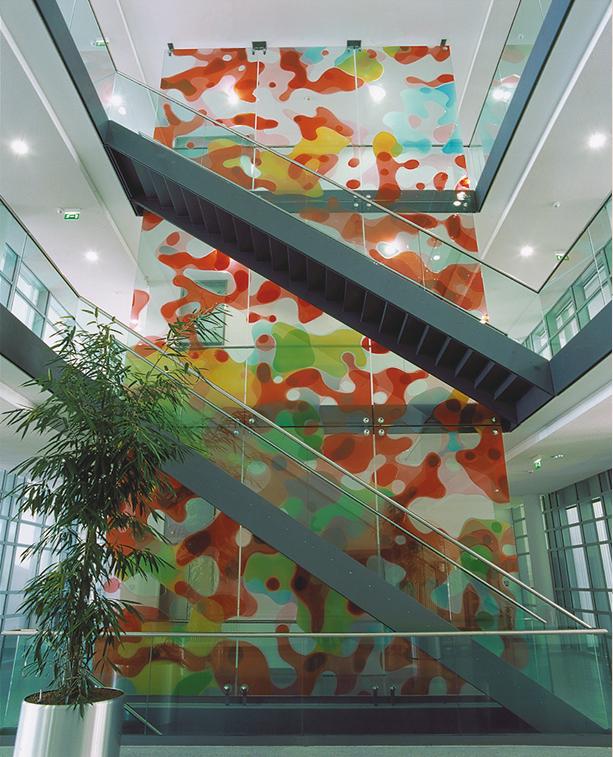 Peter Zimmermann – plot, 2000, 1200 x 600 cm, epoxy resin on glass,  OMZ Heidelberg